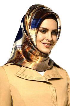 Beautiful Hijab, Most Beautiful, Women Legs, Muslim Women, Silk Scarves, Hijab Fashion, Headscarves, Womens Fashion, Hijab Styles