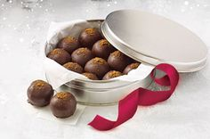 Ginger Snaps Cookie Balls  Cream cheese, ginger snaps and chocolate. That's all you need to make these spicy and elegant cookie balls—one of the easiest cookie ball recipes around!