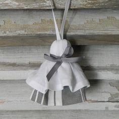 Pompon de porte en coton gris et blanc