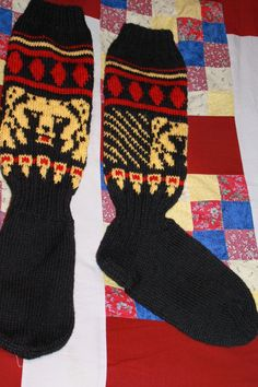 Karhut Knitting Socks, Mittens, Dream Catcher, Knit Crochet, Knitting Patterns, Projects To Try, Sewing, Fashion, Socks