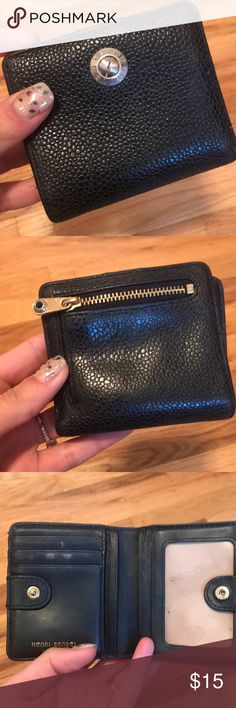 Henri Bendel Wallet Small Authentic Henri Bendel Wallet. No damage on outside but some scuffs and marks on the inside henri bendel Bags Wallets