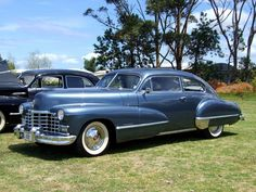 1946 Cadillac Series 62 Club Coupe My father had one second hand in the early Retro Cars, Vintage Cars, Antique Cars, General Motors Cars, Cadillac Series 62, Cadillac Ct6, Station Wagon, Old Cars, Exotic Cars