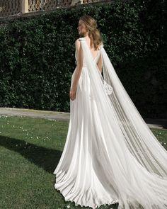 Wedding Dress Trends, Dream Wedding Dresses, Bridal Dresses, Bridesmaid Dresses, Muslim Wedding Gown, Wedding Gowns, African Wedding Attire, Pretty Prom Dresses, Party Dresses