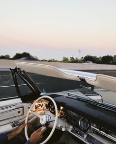Nothing quite like the feeling of cruisin the Sund. - Nothing quite like the feeling of cruisin the Sund. Nothing quite like the feeling of cruisin the Sund. Auto Retro, Retro Cars, Vintage Cars, Audi A7, Cute Cars, Fancy Cars, Car Travel, Expensive Cars, Old Cars