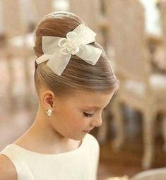 Coiffure petite fille pour mariage ou autre grande occasion en 25 idées