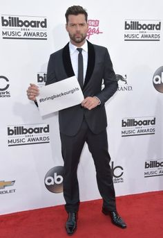 Ricky Martin | All The Looks From The Billboard Music Awards Red Carpet Ricky Martin, Billboard Music Awards 2014, Bring Back Our Girls, 2014 Music, Hollywood Dress, Rick Y, Celebrity Red Carpet, Lorde, Sexy