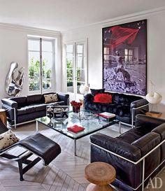 Парижская квартира с русским искусством