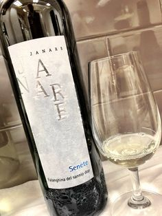 """Victor Borja-Sheen🍷 on Twitter: """"Do you love wines from #Campania as much as I do? Then this one! Janare #Falanghina $18.95 hunts of apricot and crisp acidity with a certain minerality that dances nicely through the palate. Try it with spicy calamari! #LCBO #Wine #WineTasting #Toronto #Lifestyle… https://t.co/dgPwSJUcyM"""""""
