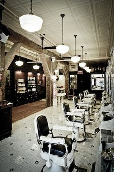 The classic barber shop cut & shave. Or a male version of a spa-day Barber Shop Interior, Barber Shop Decor, Rachael Taylor, Classic Barber Shop, Barbershop Design, Barbershop Ideas, Barbers Cut, Café Bar, Barber Chair