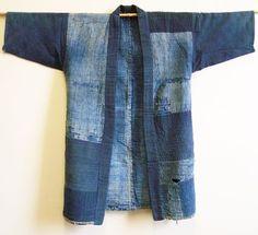 An Exceptionally Beautiful Indigo Cotton Boro Noragi Diy Jeans, Jeans Refashion, Jeans Denim, Kimono Fashion, Denim Fashion, Indigo, Kimono Sewing Pattern, Diy Kleidung, Denim Crafts