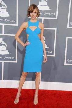 Karlie Kloss in Michael Kors and her (even shorter?) haircut at the Grammys