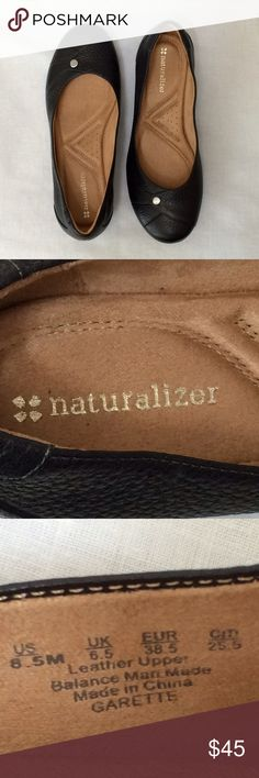 Naturalizer Leather Flat Size 8.5 New w/out tags. Garette flat from Naturalizer size 8.5M. Leather upper in a casual style w/round toe. Decorative stitching & metallic stud detail top front. Very comfortable w/flexible sole, lightweight materials, extra cushioning, heel-to-toe balance & breathable lining. With a 7/8 inch heel. Can share more photos. Open to offers! Thanks for browsing. Naturalizer Shoes Flats & Loafers
