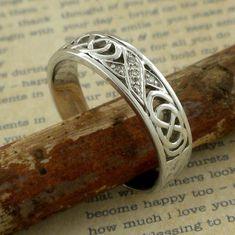 5.5 mm 14K White Gold Irish Celtic Kiss Wedding Ring with | Etsy