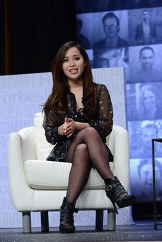 The Daily Roundup: L'Oréal and Michelle Phan Split, Reem Acra Introduces Wedding Selfie Stick - http://fashionweekdaily.com/the-daily-roundup-loreal-and-michelle-phan-split-reem-acra-introduces-a-wedding-selfie-stick/