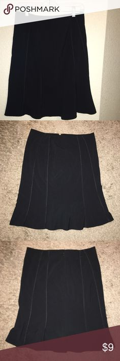 The Limited A line piping skirt Lovely A line piping skirt by the limited stretch. No stains, rips nor discolorations. Size 6 The Limited Skirts Mini