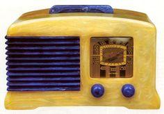 Fada Catalin Abalone Tube Radio It sure looks like bakelite to me - Brenda Dunlap Retro Radios, Frank Lloyd Wright, Lps, Radio Wave, Old Time Radio, Record Players, Phonograph, Art Deco Furniture, Retro Home Decor