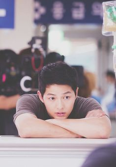 Find images and videos about kdrama, song joong ki and descendants of the sun on We Heart It - the app to get lost in what you love. Song Hye Kyo, Song Joong, Park Hae Jin, Park Seo Joon, Korean Star, Korean Men, Korean Celebrities, Korean Actors, Korean Actresses