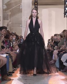 Gorgeous Black Tulle Backless Halter Sheath Evening Maxi Dress / Evening Gown with Open Back. Runway Show by Elie Saab Black Wedding Dresses, Wedding Dress Styles, Black Tulle Dress, Classy Street Style, Elie Saab Fall, Sith Lord, Haute Couture Dresses, Wedding Fabric, Western Dresses