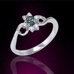 #MarkHenry #PinkyAllure #ring #whitegold #alexandrite #whitediamond