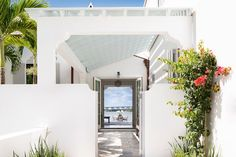 Sunny House in Miami, design, décor, interior, USA, Miami, house, home, garden