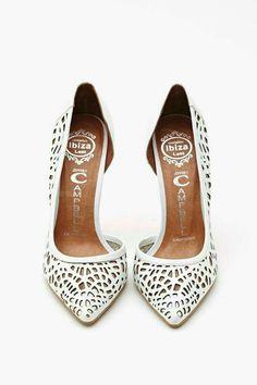 Zapato de salón blanco. Muy Originales.