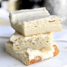 Skinny Vanilla Bean Protein Cake Bars by Skinny Girl Standard, a low calorie food blog. 9 slices 120 cal
