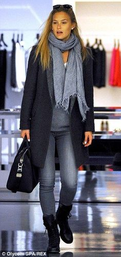 Bar Refaeli is in shoe heaven as she hits the shops in Milan Stylish and practical: Bar wore a smart grey wool coat with a light grey collar Mode Outfits, Casual Outfits, Fashion Outfits, Womens Fashion, Smart Casual Winter Outfits, Casual Fall, Fall Winter Outfits, Autumn Winter Fashion, Look Fashion