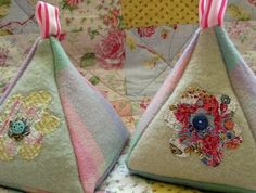 Using old woolen blankets and vintage fabrics for a door stop