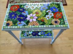 Resultado de imagem para free mosaic patterns for tables Mosaic Crafts, Mosaic Projects, Stained Glass Projects, Stained Glass Art, Stained Glass Designs, Mosaic Wall, Mosaic Glass, Mosaic Tiles, Mosaics