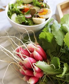 Spring salad with radishes and hard boiled eggs. Full recipe at http://www.platedcolor.com/spring-salad-with-radishes/ #radishes #salad #recipe #farmfresh