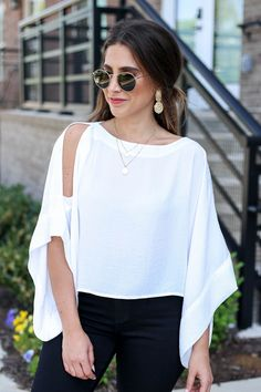 womens tops on sale Blouse Styles, Blouse Designs, Look Fashion, Fashion Outfits, Cream T Shirts, Cheap Womens Tops, Pullover Shirt, Latest Fashion For Women, Womens Fashion