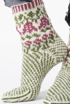 Nordic Yarns and Design since 1928 Crochet Socks, Knit Mittens, Knit Or Crochet, Knitting Socks, Hand Knitting, Knitting Patterns, Slipper Socks, Slippers, How To Start Knitting