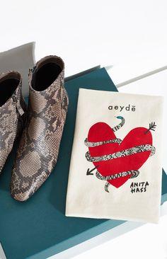 Wir stellen euch heute das Label Aeyde vor! Insbesondere ihren neuen Schlangeleder-Boot, der in Kooperation mit der Firma Anita Hass entstanden ist.