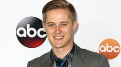 Why we're totally crushing on Switched at Birth's total package, Lucas Grabeel