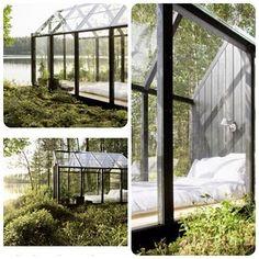 Udendørs soveværelse med fabelagtig udsigt.... SMUKT! - bonus: man kan ikke høre børnene:-) #drivhus #outdoor #udendørs #soveværelse #bedroom #greenhouse #lakehouse