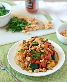 Chicken Stir Fry with Thai Peanut Sauce. Easy, healthy, and you are going to want this peanut sauce on EVERYTHING. Peanut Chicken Stir Fry, Asian Recipes, Healthy Recipes, Rice Recipes, Yummy Recipes, Thai Peanut Sauce, Thai Sauce, Fish Sauce, Main Dishes