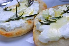@ Manameierei - The MANAmääh: with goat cheese, rosemary, and honey. Served with a fig dip.