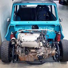 K20! Praticamente é mais motor que carro.