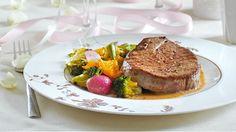 Steaky s omáčkou z pomerančového pepře a s pečenou zeleninou  Foto: Steak, Food, Red Peppers, Essen, Steaks, Meals, Yemek, Eten