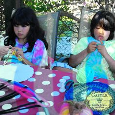 140915 Katya and Adrian knitting American and Continental styles 2