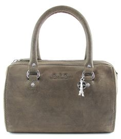 De bag Holy Cow van By LouLou is een stoere tas die gemakkelijk is in gebruik. (€99,95)