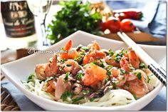Find images and videos about food, yummy and pasta on We Heart It - the app to get lost in what you love. Prawn Pasta, Shrimp, Food Out, Potato Salad, Healthy Recipes, Healthy Food, Yummy Food, Seafood, Spaghetti