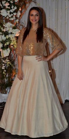 Defining the Grace of Punjabi Suits – Fashion Asia Indian Wedding Gowns, Indian Dresses, Indian Outfits, Pakistani Outfits, Wedding Dresses For Girls, Girls Dresses, Girl Fashion, Fashion Outfits, Ethnic Dress
