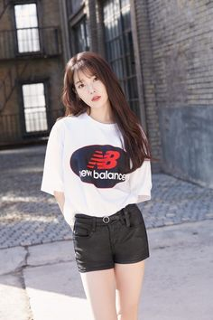 IU 180126 update New Balance Korea 2018 Iu Fashion, Asian Fashion, Fashion Outfits, Cute Korean, Korean Girl, New Balance, Asian Woman, Asian Girl, Iu Twitter