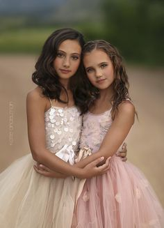 Camera Canon EOS 5D Mark III Focal Length 85mm Shutter Speed 1/4000 s Aperture f/1.2 ISO/Film 100 Category People Uploaded about 22 hours ago License sisters by Katie Andelman Garner on 500px