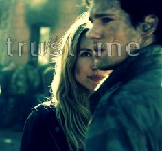 Falling Skies S3 At All Costs Hal Mason Maggie Drew Roy Sarah Carter