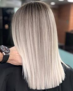 Ideas de cabello rubio corto para el verano # рельефноеокрашивание The post Ideas de cabello rubio corto para el verano # рельенфеноео & appeared first on Peinados. Blonde Hair Looks, Platinum Blonde Hair, Ash Blonde Bob, Blonde Balayage, Blonde Ombre Hair, Bleach Blonde Hair, Ash Hair, Brown Hair, Light Hair