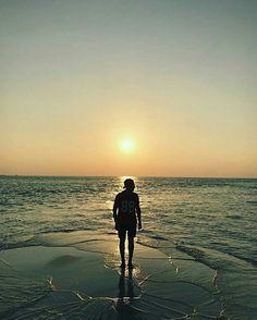 The beauty of Maldives sunset!  📷 @p_aleksandrow  #travel #thulusdhoo #indianocean #beach #islandlife #vacation #bucketlist