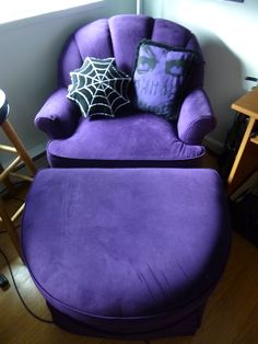 I love this chair even though it looks a bit like Grimace. Lol