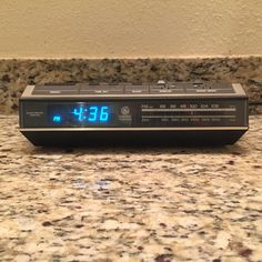 Vntg General Electric GE Digital AM-FM Alarm Clock Radio 7-4642A Neon Blue Light | Consumer Electronics, Gadgets & Other Electronics, Digital Clocks & Clock Radios | eBay!